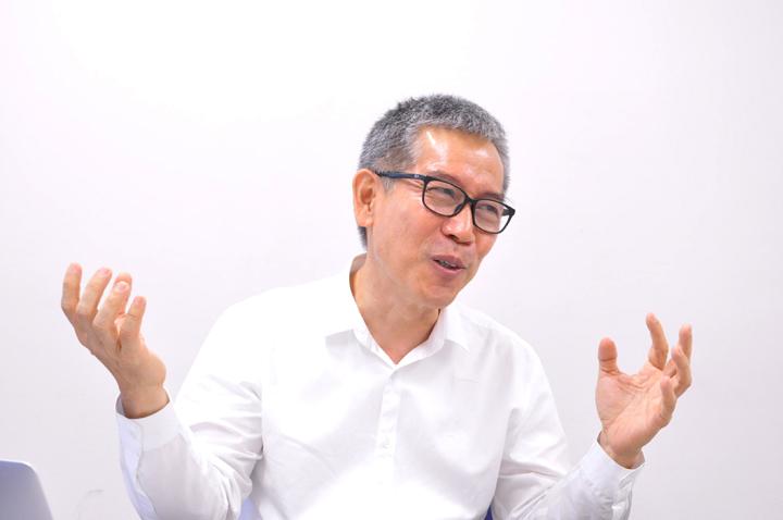 画像: ウィセ社長。タイの高校を卒業してから10年間、1989年まで日本政府からの奨学金で日本の大学へ。卒業後に住友電工に通信エンジニアとして勤務したこともあり、日本語はとても堪能。