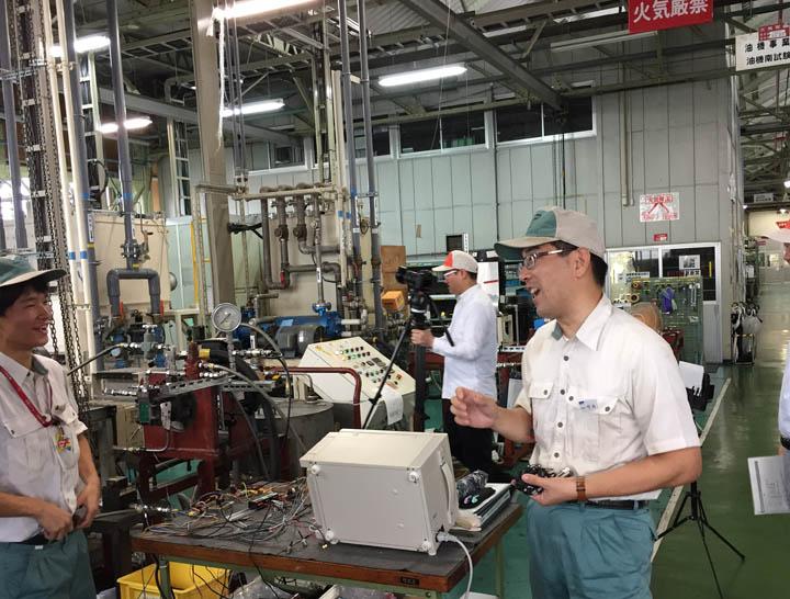 画像: 油機事業室技術グループマネージャーの竹内様。