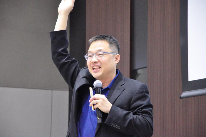 画像: ユニアデックス未来サービス研究所のエバンジェリスト 高橋 優亮さん。いつも元気いっぱいです。