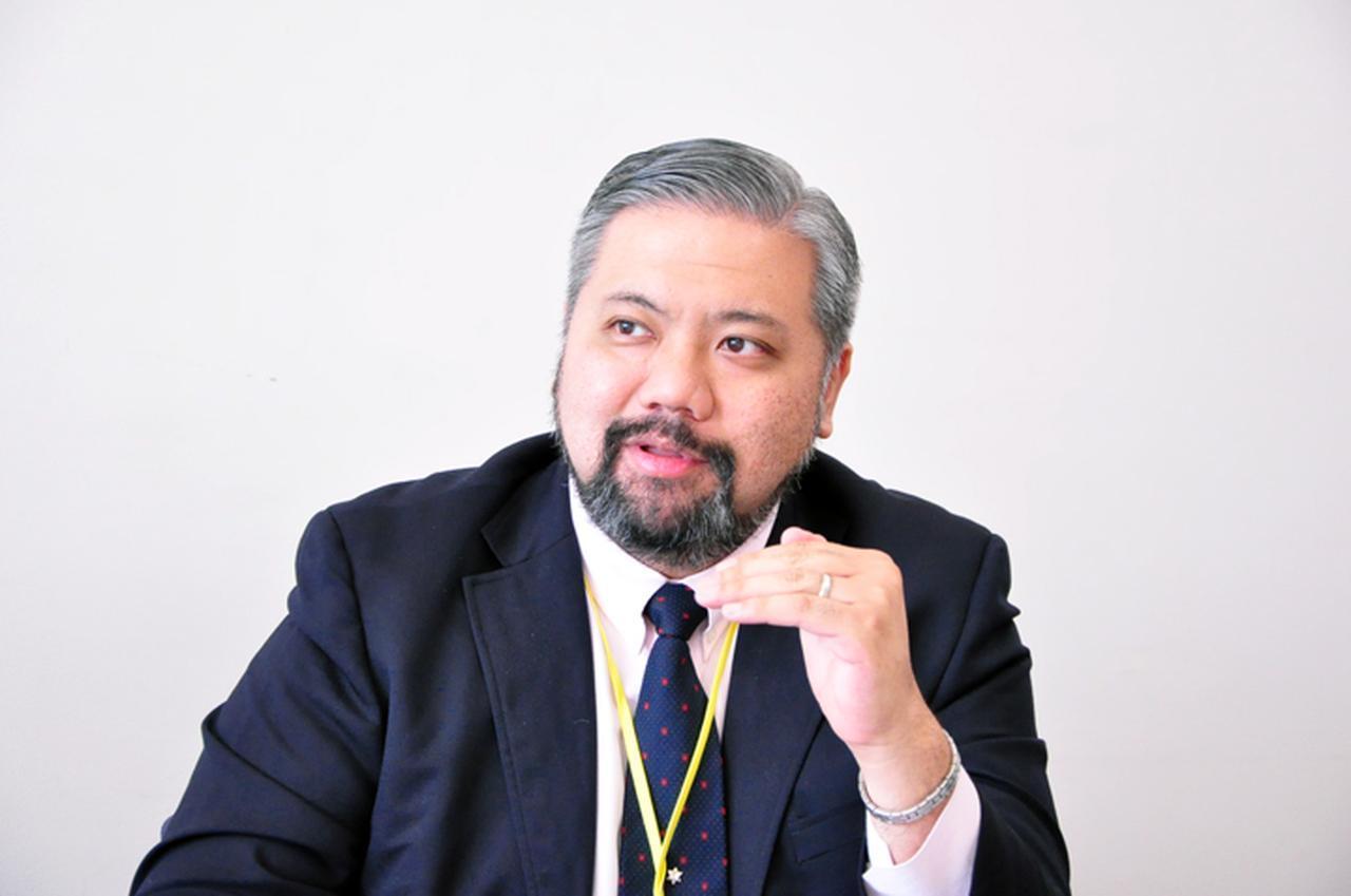 画像: レイモンド・サンヴィクトレス副社長(ご子息です)