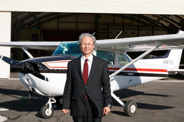 画像: NPO法人ふくしま飛行協会 理事長 斎藤喜章(さいとうよしあき) 1952年福島県生まれ。1972年福島県中央計算センターに入社。主に公共システム部門、医療部門のシステム開発に携わる。2003年、NPO法人ふくしま飛行協会を設立し、理事長に就任。2005年に福島県中央計算センターを退社し、ふくしまスカイパークの運営に専念する。現在、福島大学客員研究員(地域づくり・街づくり)社会企業担当も務める。