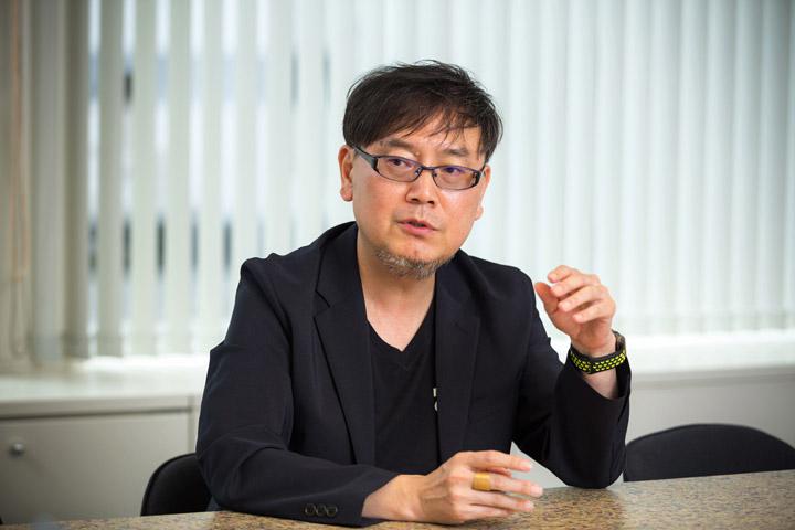 画像: ボードウォーク社 遠藤 政伸 社長。インテリアがスタイリッシュで明るく素敵なオフィスです♪
