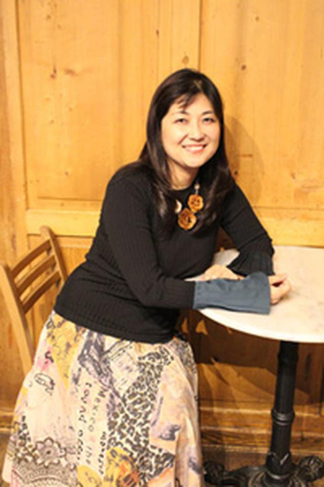 画像: プロフィール 田村 麻子(たむら あさこ) 京都府出身。ピアニストの学生からオペラ歌手へ転身。アジア人のハンディを乗り越え、ヨーロッパ、ニューヨークで主役を張る。1997年ドミンゴ国際オペラ・コンクールに最年少で入選。ジュゼッペ・ディ・ステファノ国際コンクール(イタリア)第1位など世界の主要コンクールで上位入賞。2002年『3大テノール・コンサート』でドミンゴ氏、故パヴァロッティ氏、カレーラス氏らと共演。07年ニューヨークのリンカーンセンターでのデビューでは、ニューヨーク・タイムズ紙において「輝くソプラノ」と高い評価を受けた。