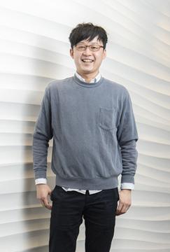 画像: プロフィール 川崎 亘(かわさき わたる) 東京大学大学院新領域創成科学研究科修了。 経営コンサルティング会社の戦略部門でメーカー・小売・インフラ業界の新規事業開発やデジタルサービス支援に従事したのち、ベンチャー企業で地域ビジネスやエネルギー事業開発、製造業における企画・業務改善等を経験。 2017年9月に株式会社huntechを創業。一次産業の強化と地域資源の有効活用を推進するため、野生鳥獣の捕獲・流通プロセスの改革に取り組む。