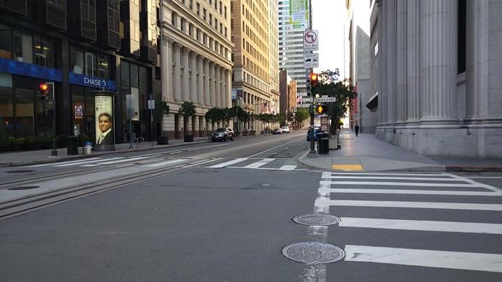 画像: 街はこのとおり閑散としています