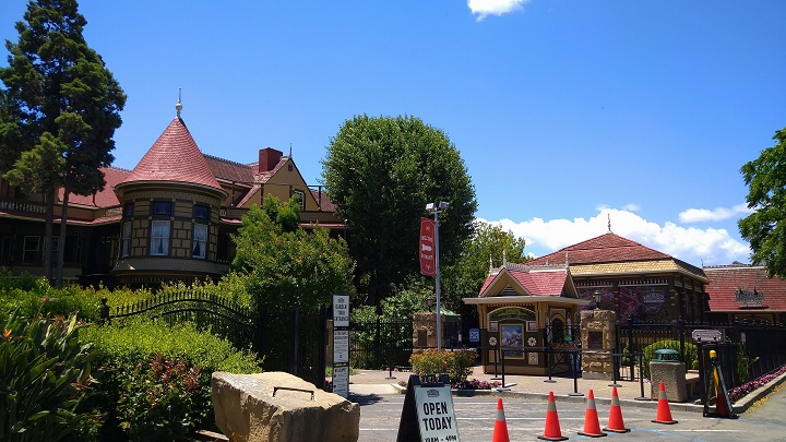 画像: 観光スポット「ウィンチェスターミステリーハウス」興味ある方は次回ぜひ!