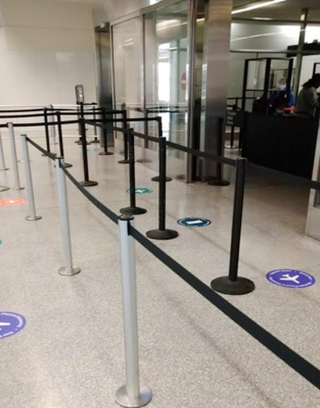 画像: 出発のサンフランシスコ空港はガラガラで、手荷物検査場の待ち時間はゼロ。こんなことは初めて。