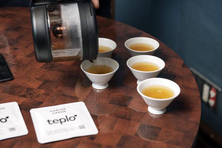 画像: 「リラックスしたい」という気分で淹れていただいたほうじ茶。とても優しいお味で気分も落ち着きました