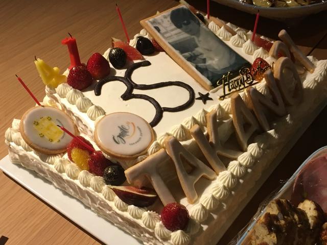 画像: バースデーケーキ!