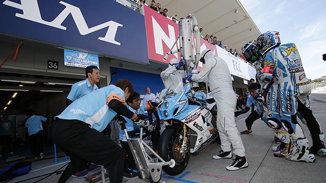 画像: pit stop is crucial. Top teams take 7 pit-stop strategy. You loose 10 second, you loose 2,3 positions www.suzukacircuit.jp