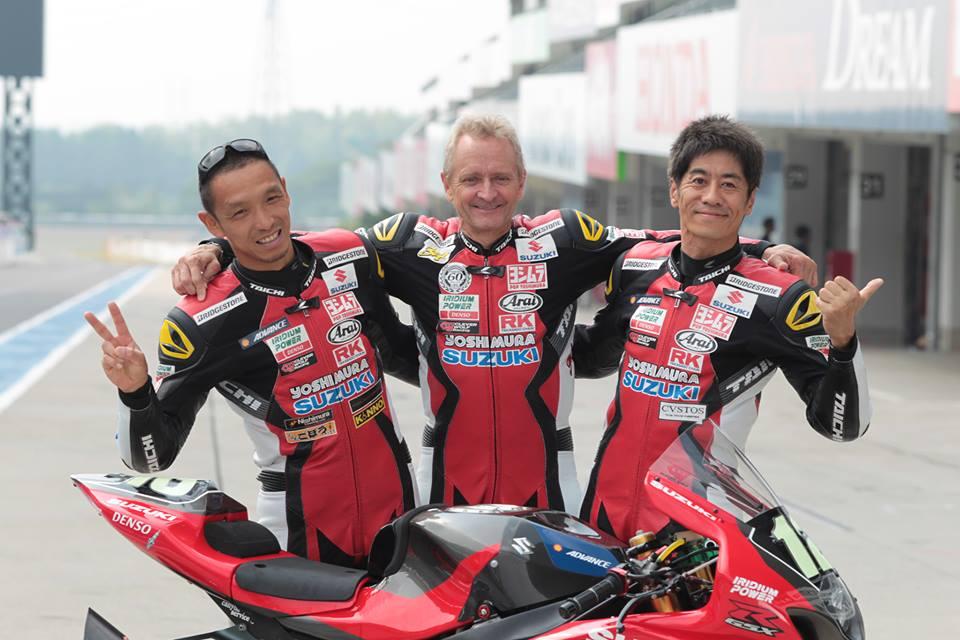 画像: Kevin Schwantz at Suzuka 8hours with his team mate Nobuatu Aoki(left), Satoshi Tsujimoto(Right)  in 2014 www.aimexpousa.com
