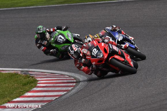 画像: #12 Tsuda takes the lead, right behind #1 Nakasuga and #87 Yanagawa www.mfj.or.jp