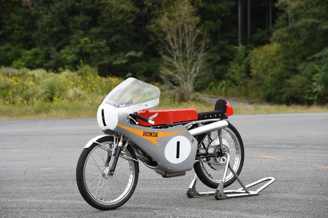 画像: RC116 (1966)  49.8cc 4 stroke 2 cylinders DOHC 4 valve. 14PS@21,500rpm Top speed over 175km/h www.honda.co.jp