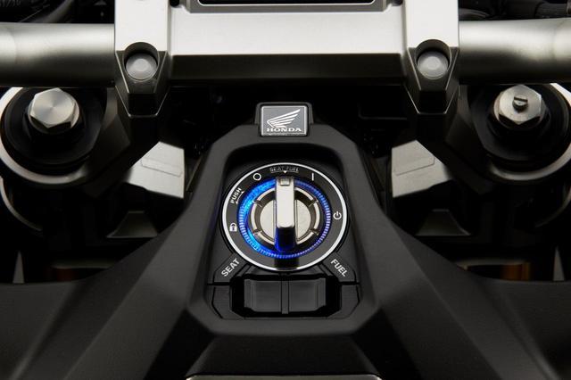 画像: Smart Key Ignition www.autoby.jp