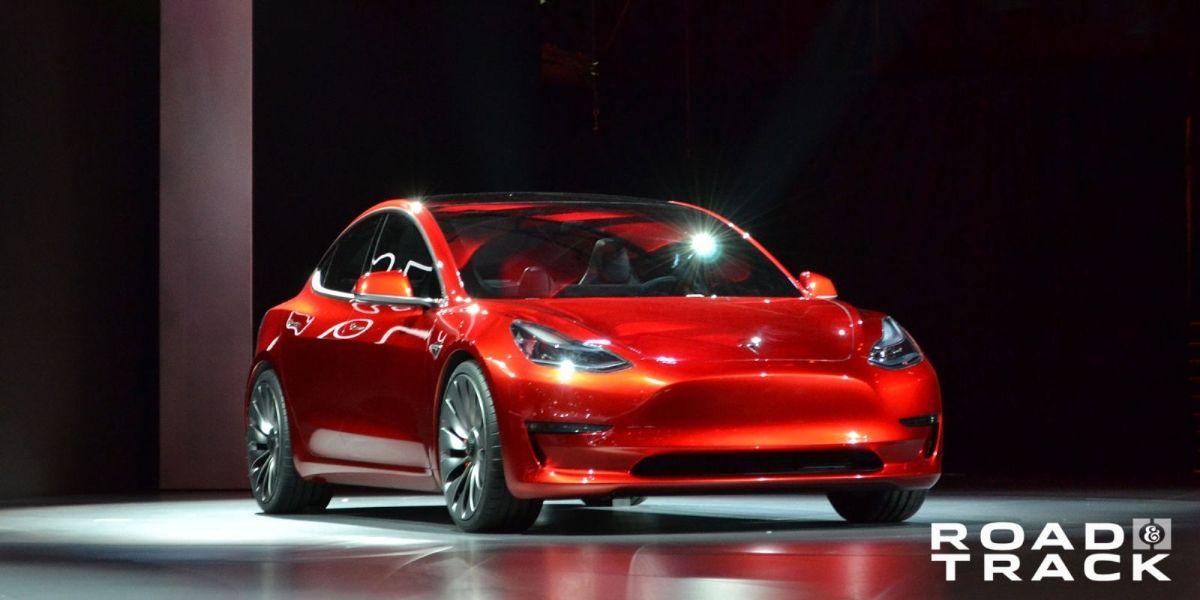 画像: Tesla Model 3: 0-60 in 5.6 Seconds, More Than 215 Miles of Range