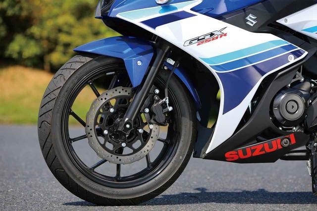 画像: 37mm front fork with 10 spoke wheel. Petal brake disc. www.autoby.jp