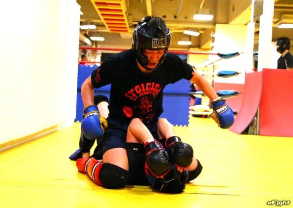 画像: 女子プロレスラー朱里 公開練習「MMAのベルト獲得に挑戦したい」【パンクラス】