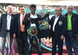 画像: 【ムエタイ】ブアカーオがWBC会長から表彰
