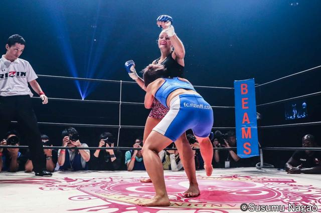 画像3: 村田夏南子3連勝! 1R1分17秒、TKO勝利‼︎