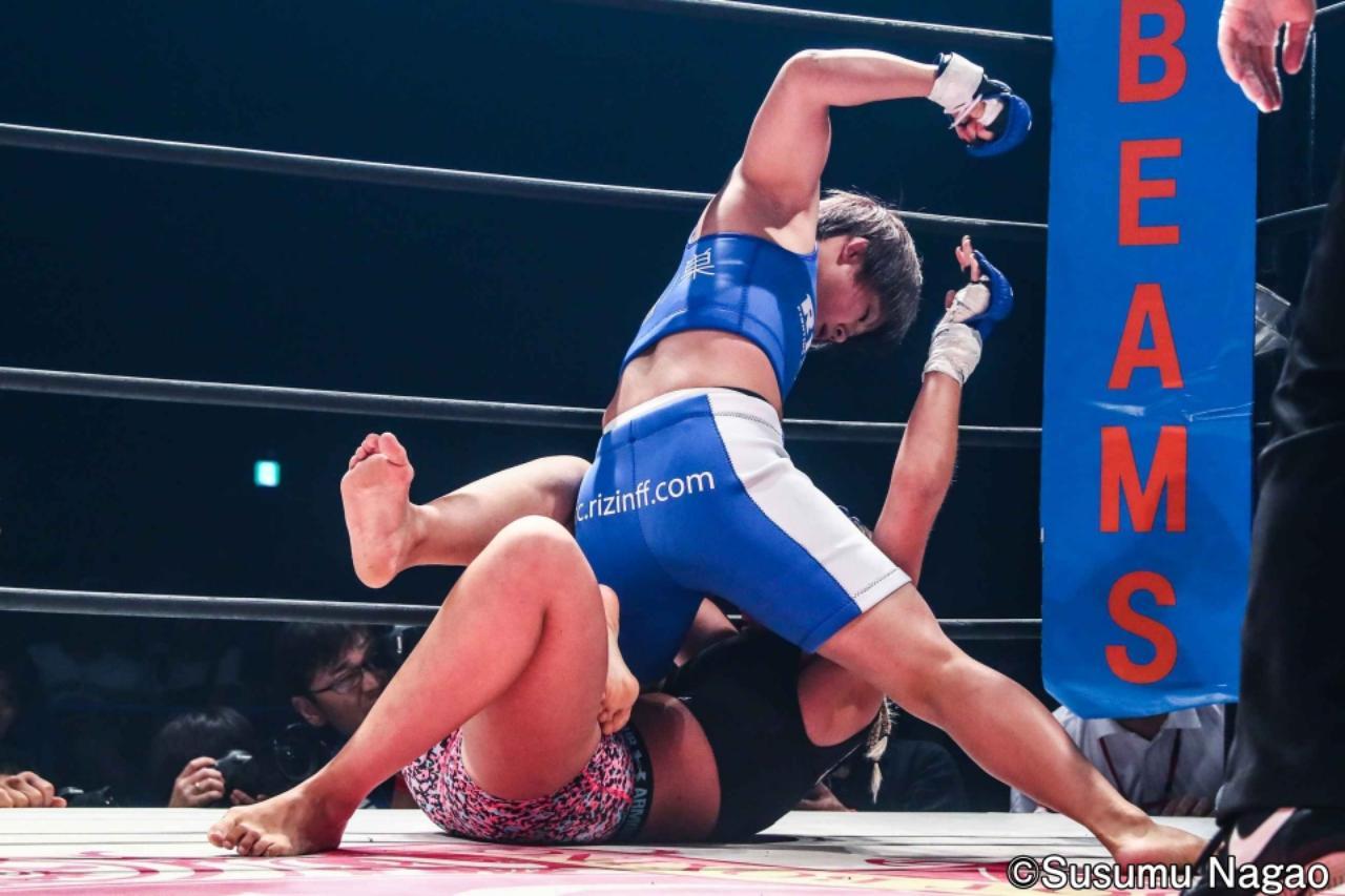 画像4: 村田夏南子3連勝! 1R1分17秒、TKO勝利‼︎