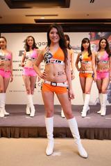 画像7: RIZINガール 7人の新メンバー! 無差別級トーナメントのトロフィー&ベルトお披露目!!