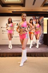 画像6: RIZINガール 7人の新メンバー! 無差別級トーナメントのトロフィー&ベルトお披露目!!