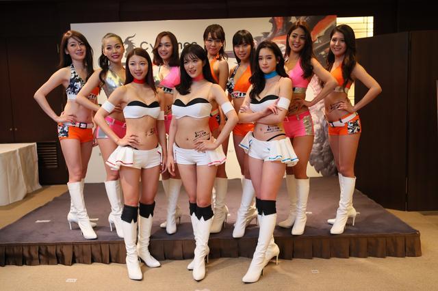 画像13: RIZINガール 7人の新メンバー! 無差別級トーナメントのトロフィー&ベルトお披露目!!