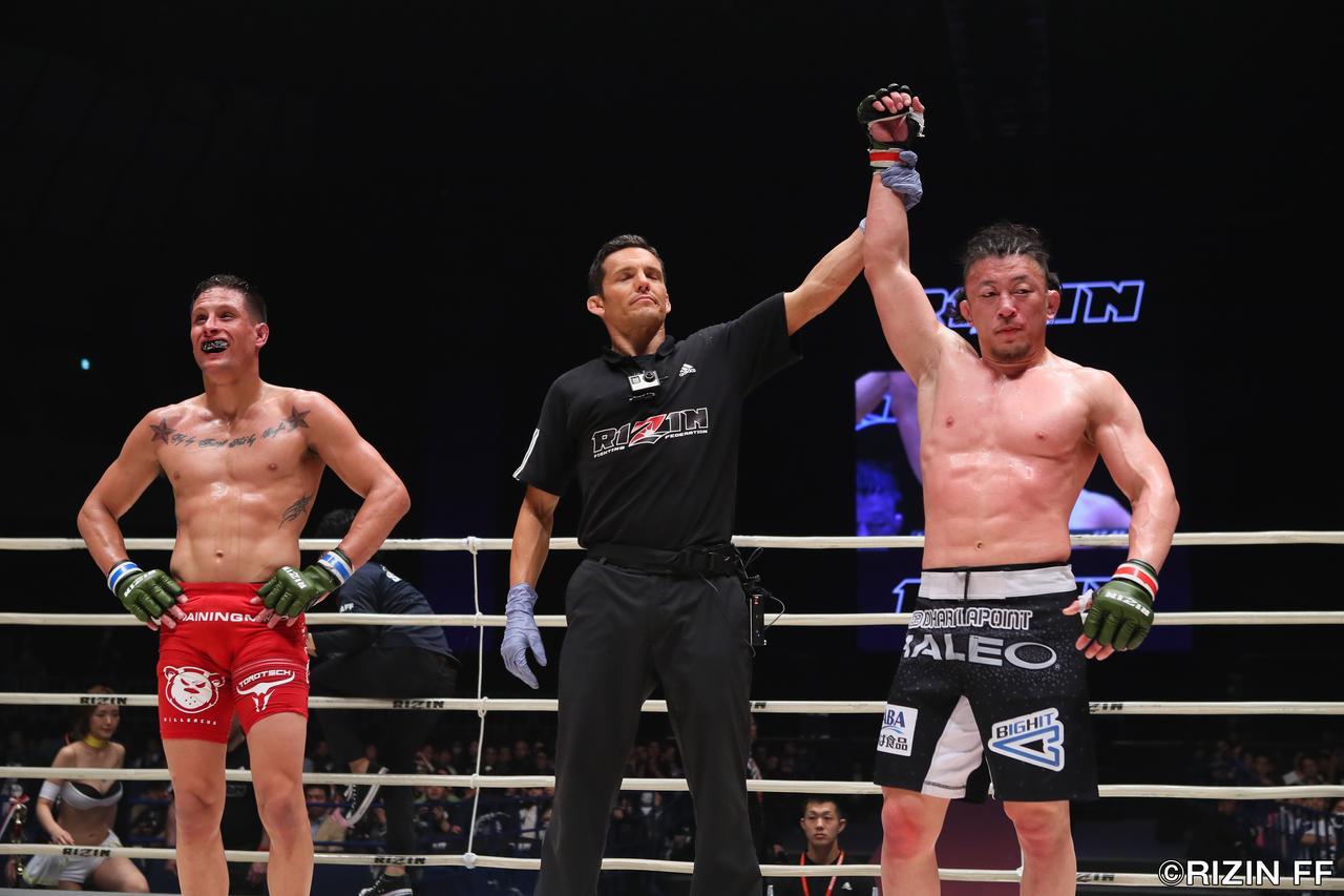 画像8: 格闘技人生を賭けてUFCからRIZINに参戦してきた川尻達也。昨年大晦日、初陣でクロン・グレイシーに敗戦した雪辱を今夜、果たしたい。対するはこちらも元UFCの強豪、アンソニー・バーチャックだ。