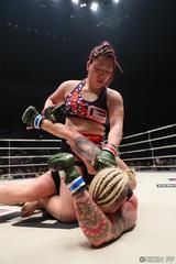 画像4: ウワサのKINGレイナがついにRIZIN登場! 昨年大晦日の堀田祐美子vsギャビ・ガルシア戦後にいきなりリングインし、ギャビとの対戦をぶち上げたジャジー・ガーベルトと対戦する。