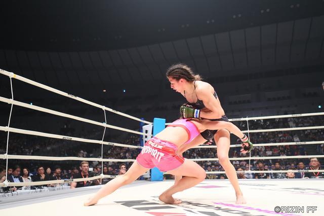 画像6: 盛り上がり続ける一方のジョシカクにおいて将来を嘱望される超新星・浅倉カンナが、アマチュアMMA8戦8勝のブルガリアの新鋭アレクサンドラ・トンシェバを相手にRIZIN初勝利を目指す!