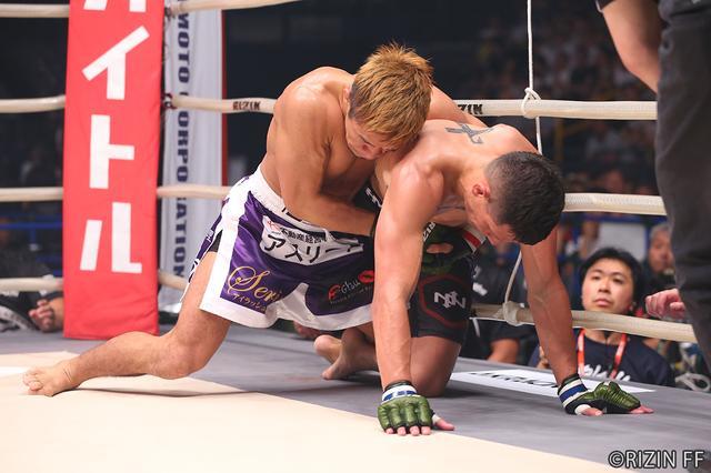 画像6: 第4試合 大塚 隆史 VS. アンソニー・バーチャック(試合結果詳細)RIZIN FIGHTING WORLD GRAND-PRIX 2017 バンタム級トーナメント 1st ROUND -夏の陣-