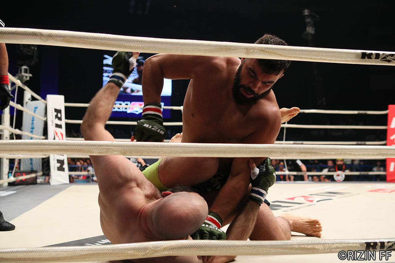 画像6: 第10試合 アミール・アリアックバリ VS. タイラー・キング(試合結果詳細)RIZIN FIGHTING WORLD GRAND-PRIX 2017 バンタム級トーナメント 1st ROUND -夏の陣-