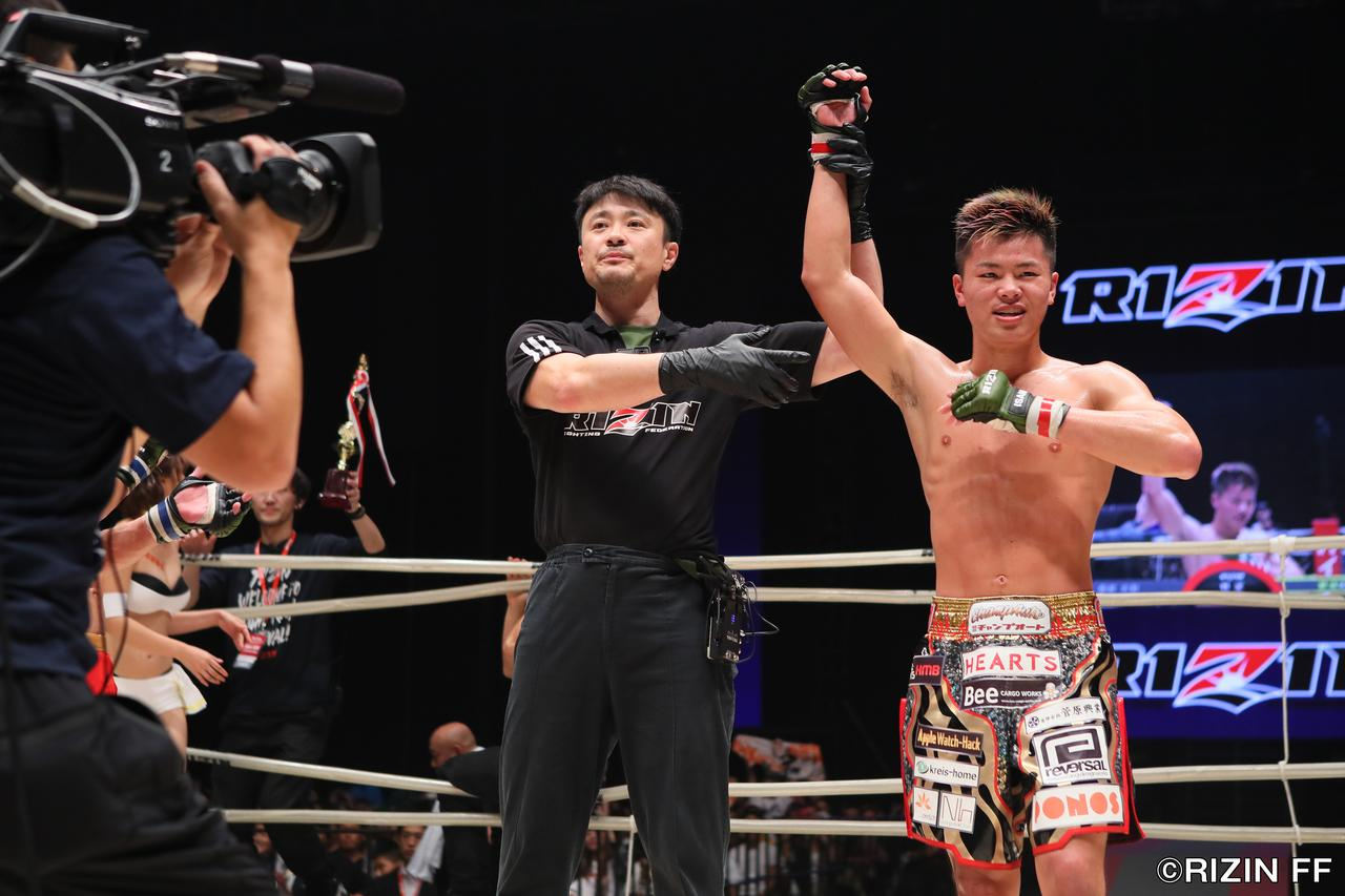 画像6: 格闘技の新たなステージを見た! 壮絶な死闘は那須川が制す!!