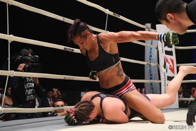 画像2: KINGレイナ、MMAデビュー戦の相手に「微妙な試合」!
