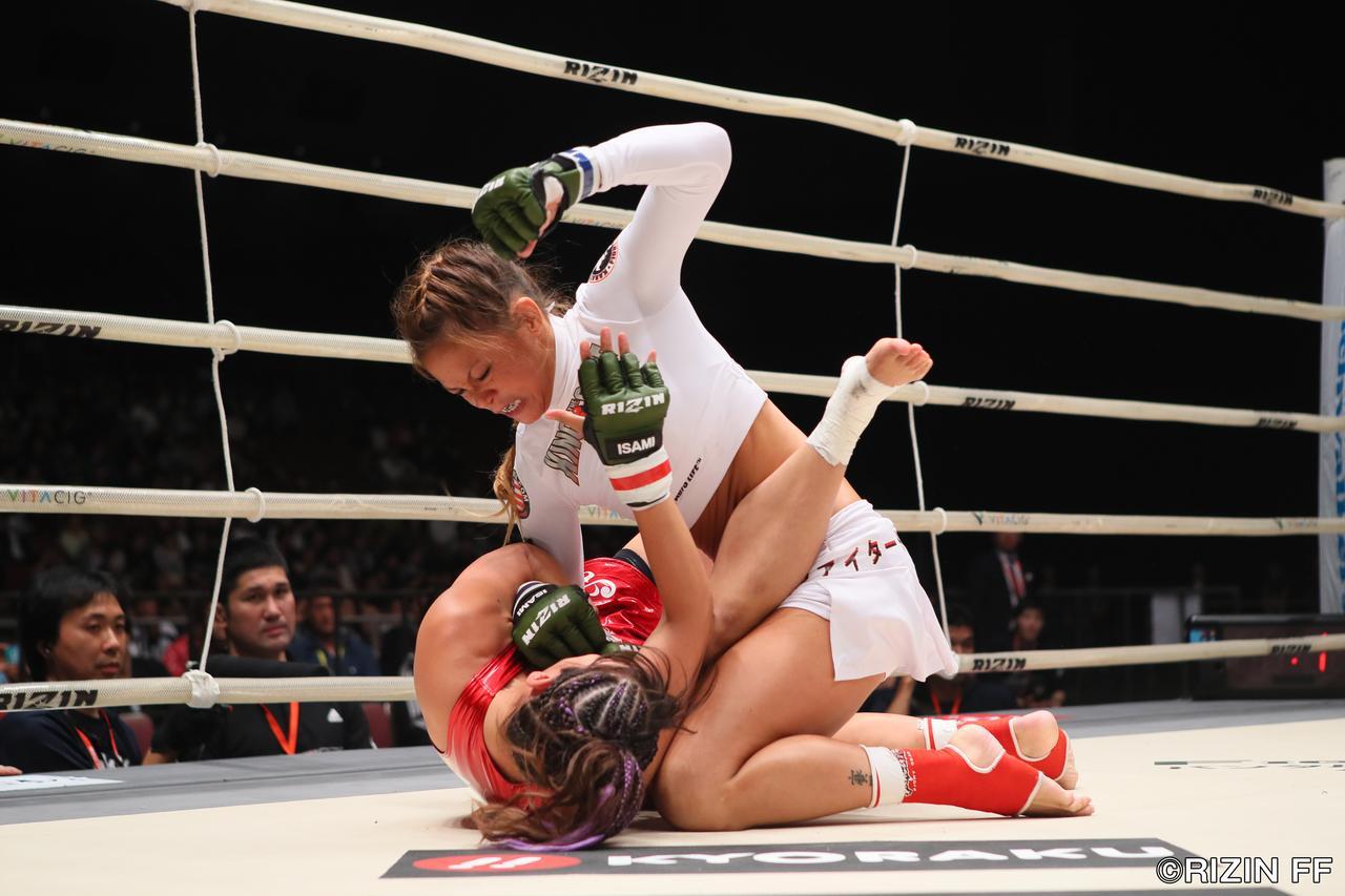画像1: 強いRENAがアンディ・ウィンをKOしてメインを締める!!