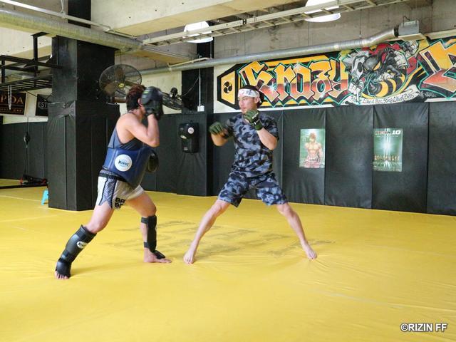 画像1: 【公開練習】お祭り男・矢地祐介が殴り合いを予告! 「アクションの大きな戦いをする」