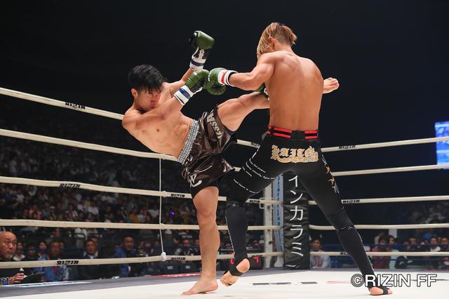 """画像1: シュートボクシングの""""超新星""""海人がRIZINデビュー戦を白星で飾る ウザ強ヨシヤはRIZIN初陣を飾れず"""