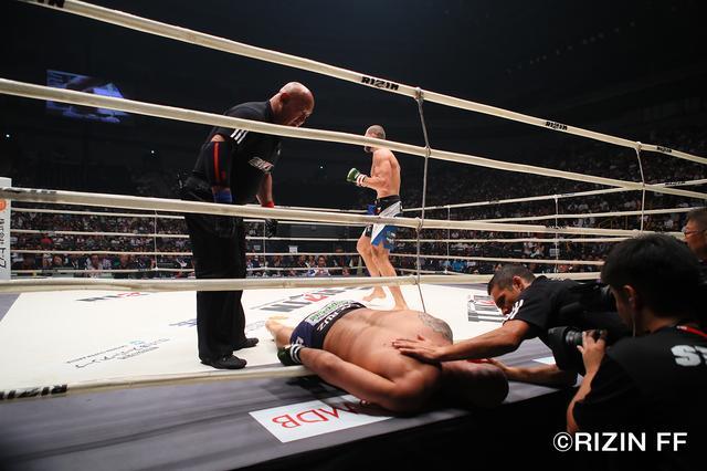 画像7: イリー・プロハースカの強烈パンチ ブルーノ・カッペローザ失神負け