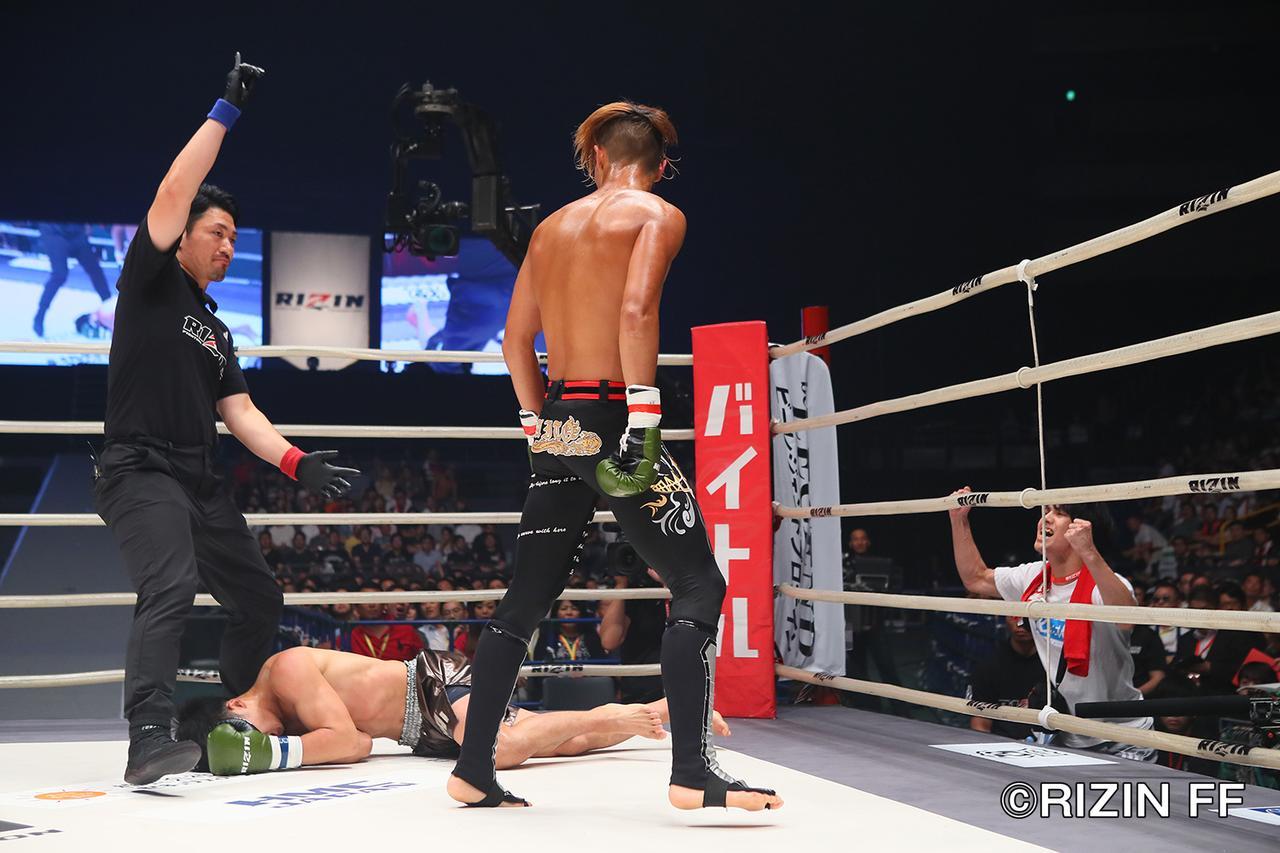 """画像4: シュートボクシングの""""超新星""""海人がRIZINデビュー戦を白星で飾る ウザ強ヨシヤはRIZIN初陣を飾れず"""