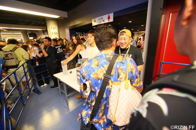 画像1: 「POWER TO JAPAN 〜格闘技の力を西日本へ〜」 『RIZIN.11』募金活動ご報告