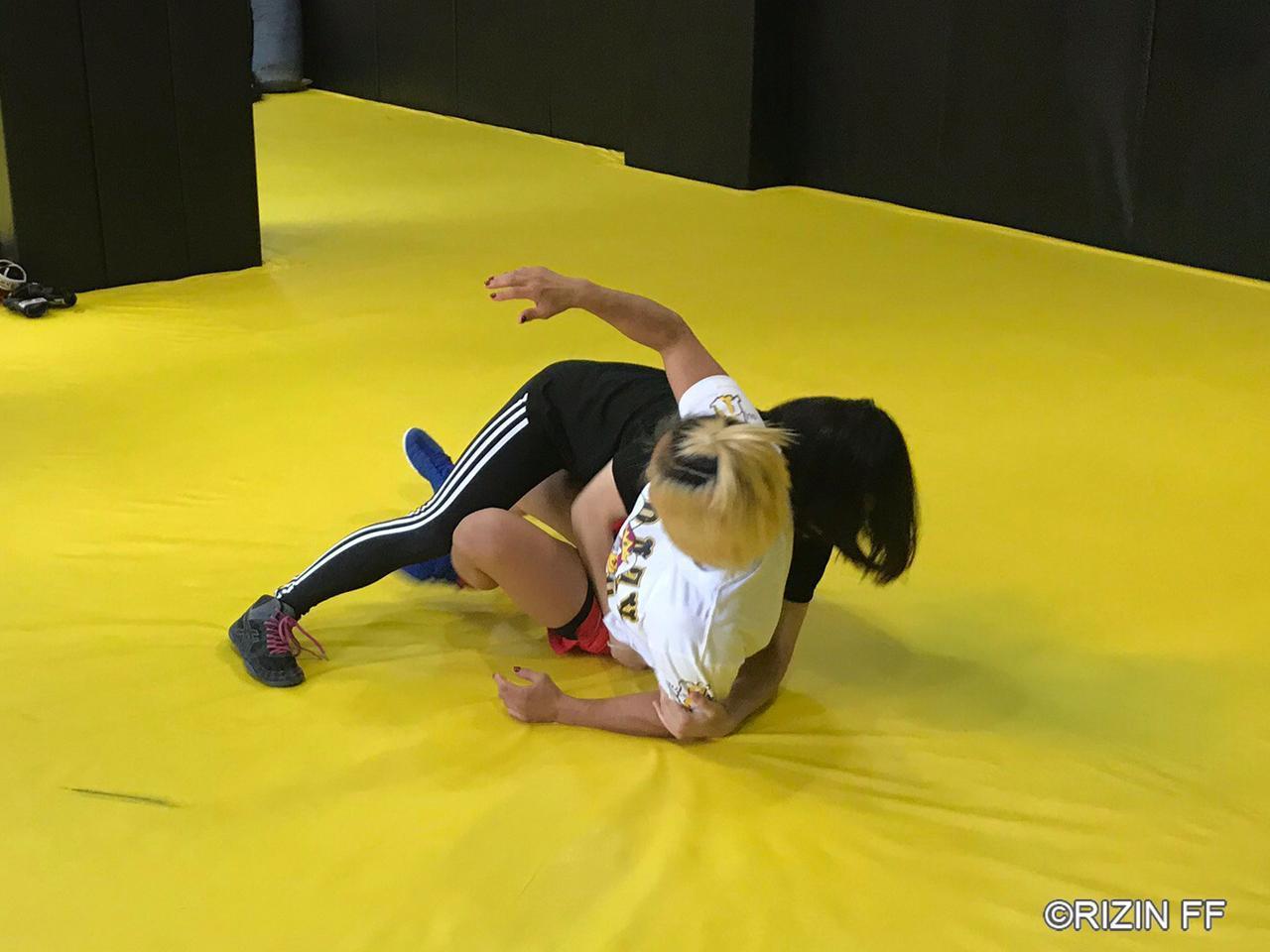 画像1: 「ベラトールに出てる選手との試合は、自分の強さを測れる」GOOD SPEED presents RIZIN.18 に出場するあいが練習を公開!
