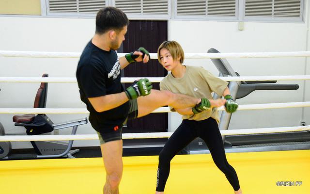 画像2: 扇久保「修斗のチャンピオンとしてRIZINに出ているので、絶対に負けられないです」扇久保博正と浅倉カンナの練習を公開!