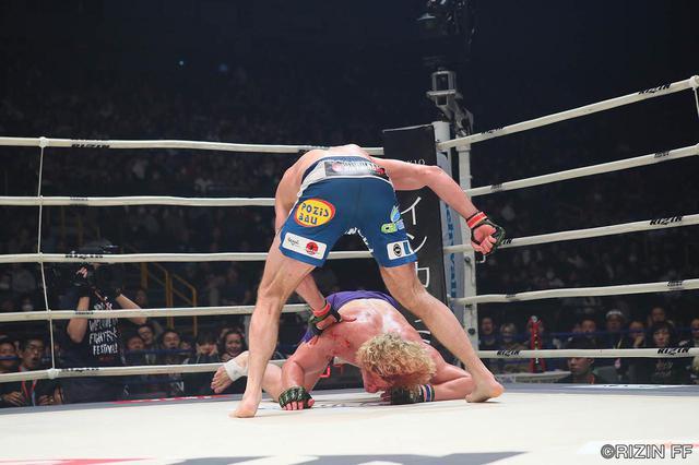 画像2: 「血染めのプロハースカが世紀の大逆転KO劇!!」