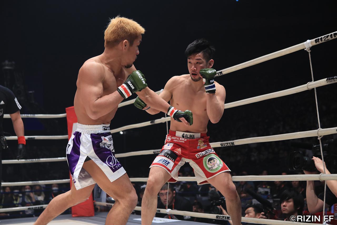 画像1: 「石渡が大塚を判定で破り、決勝の堀口戦へ!!」