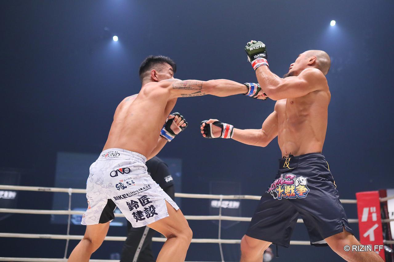 画像1: 【試合結果】RIZIN.22 - STARTING OVER - 第1試合/山本アーセン vs. 加藤ケンジ - RIZIN FIGHTING FEDERATION オフィシャルサイト