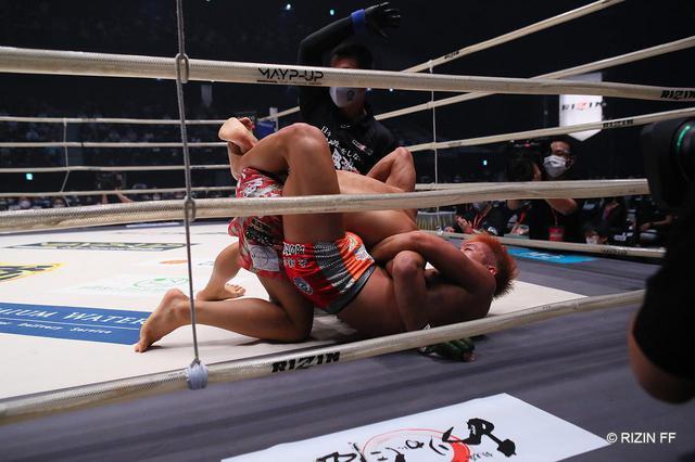 画像1: 【試合結果】RIZIN.23 - CALLING OVER - 第4試合/伊藤盛一郎 vs. 神龍誠 - RIZIN FIGHTING FEDERATION オフィシャルサイト