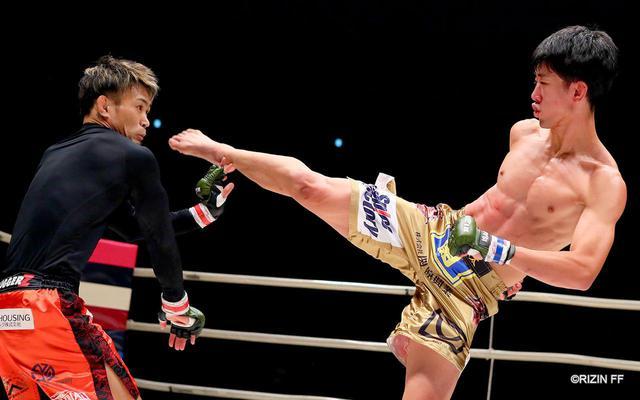 画像4: やられたら蹴り返す!ポイントは瀧澤の右の蹴り