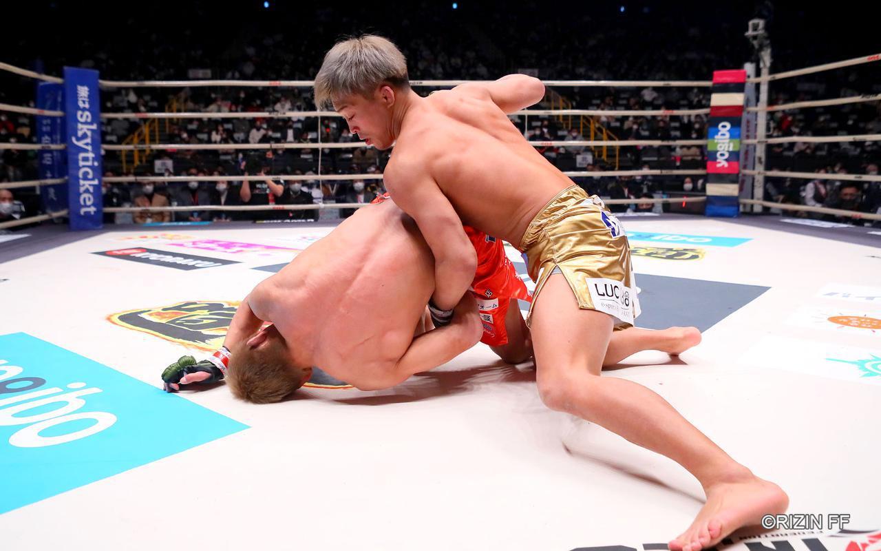 画像4: まさに異種格闘技戦?!寝技の所vs.レスリング太田の攻防