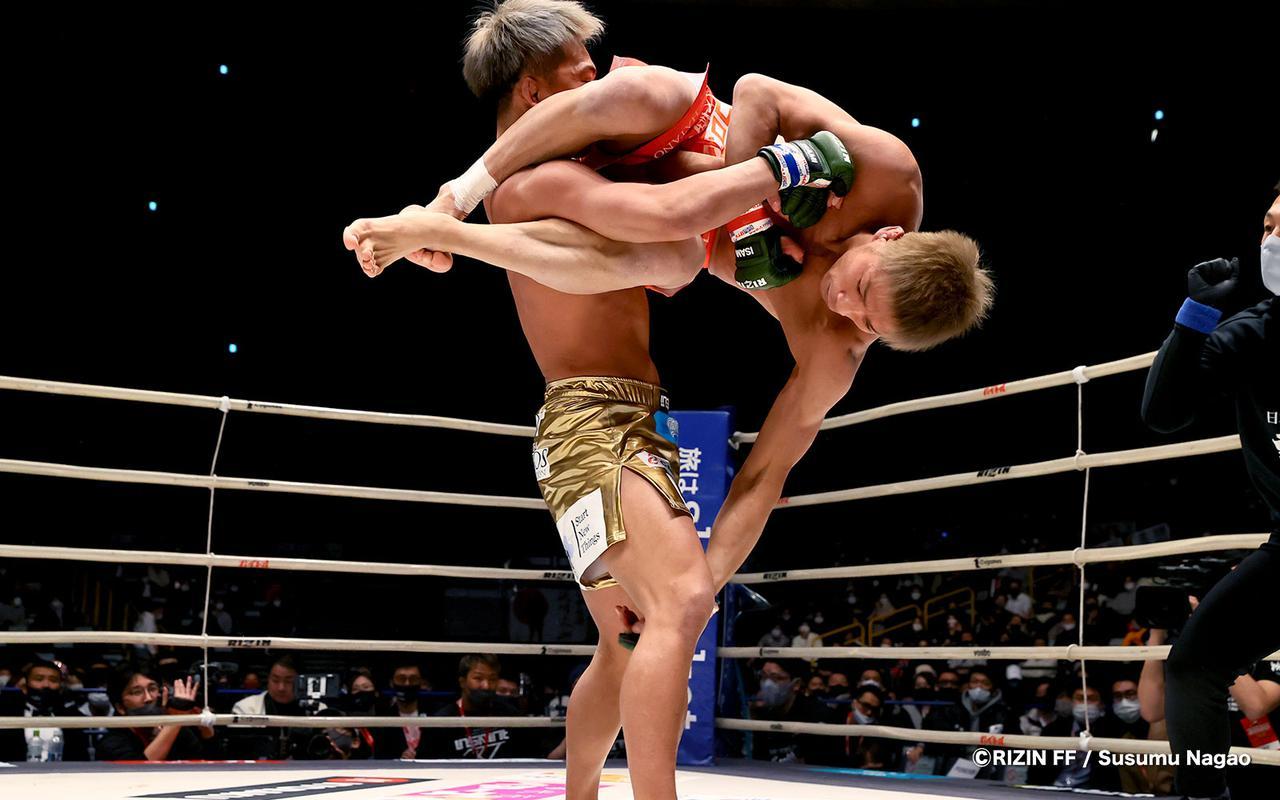 画像6: まさに異種格闘技戦?!寝技の所vs.レスリング太田の攻防