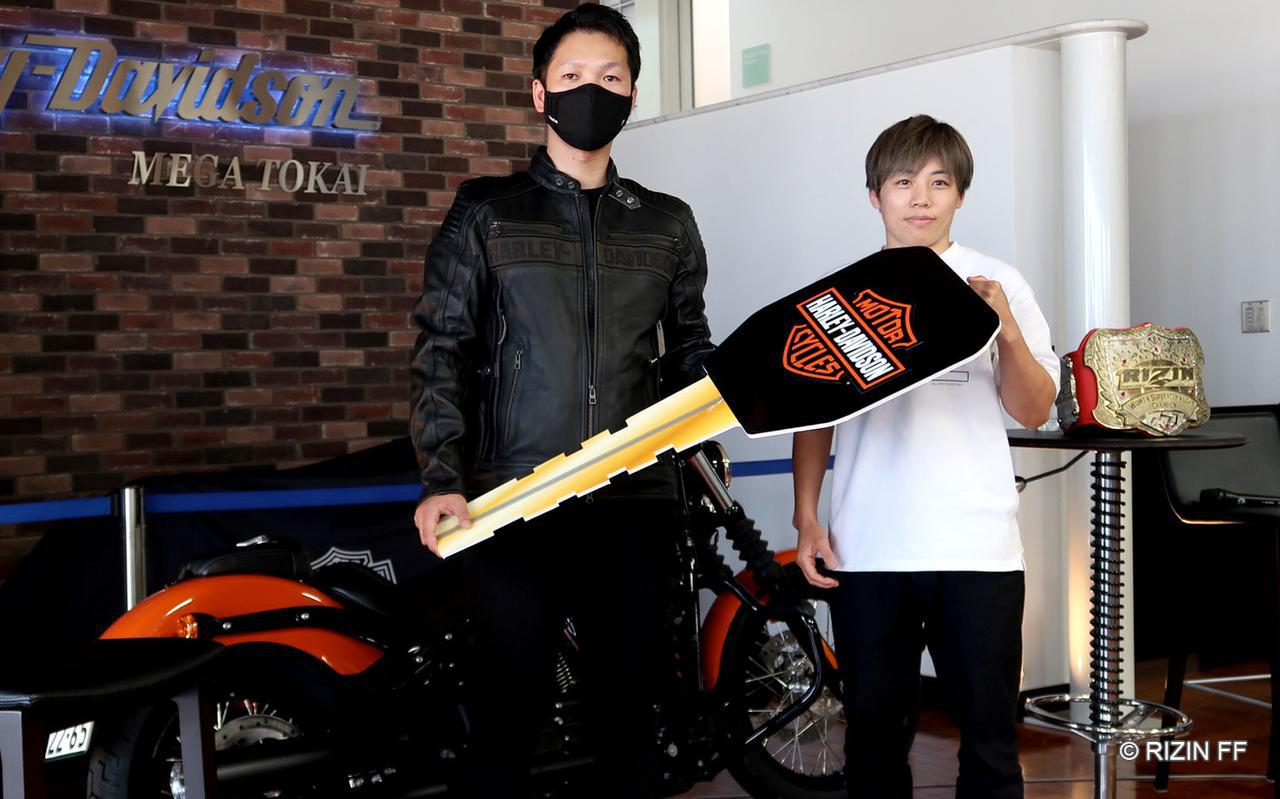 画像: 株式会社チャンピン 鈴木康介様(左)、浜崎朱加